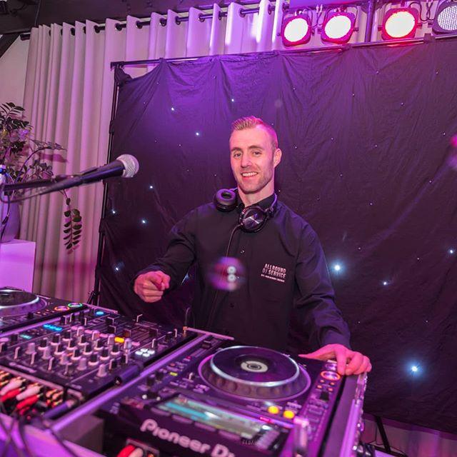 Allround DJ op jouw feest – Waarom zou je dat willen?