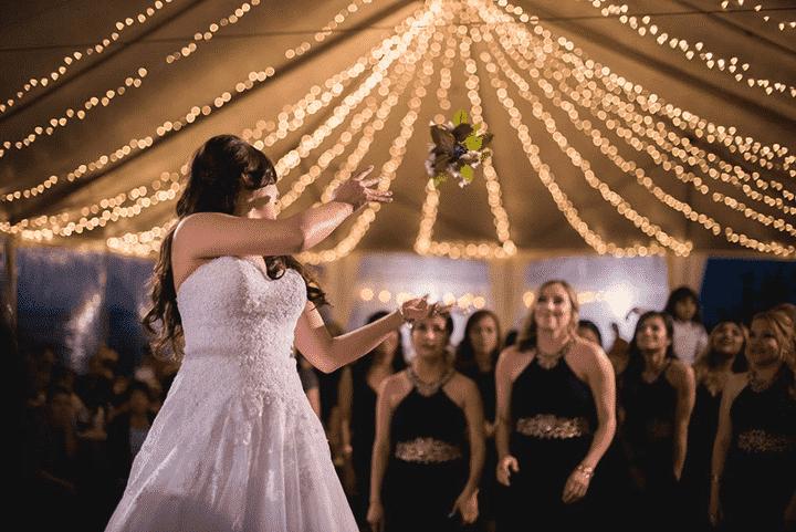 Bruidsboeket gooien feest