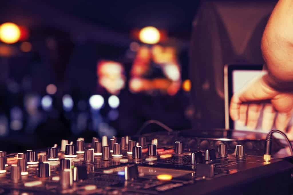 Alles wat je volgens de bruiloft DJ moet weten