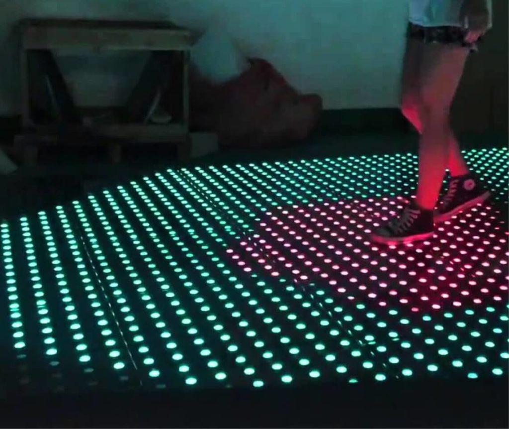 Interactieve verlichte dansvloer
