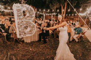 Weddingpinata 1