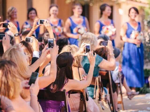 Smartphones op bruiloft